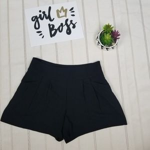 LOFT black dressy short size 6 -C9